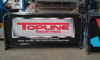 2m cafe barrier - topline